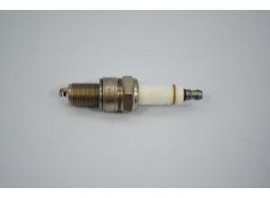 Запалителна свещ за ЛАДА с карбураторен двигател